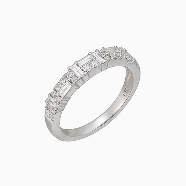 Baguette and round diamond ring 3084